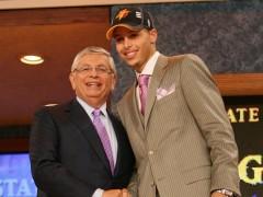 NBA |突发快讯,NBA 联盟前总裁 DAVID STERN 脑溢血送医抢救中