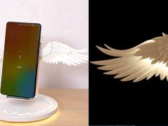 充个电有需要搞那么大吗?日本网友炫耀「天使翅膀充电座」,手机放上瞬间效果浮夸到爆!