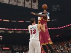 《NBA 2K15》最新影片流出,LBJ 暴力「颜灌」热火队球员当作见面礼!