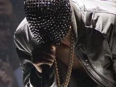 Maison Martin Margiela为Kanye West打造Yeezus巡迴演唱会秀服