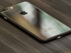 谍照再发 ‧ 据传 iPhone 7 镜面黑色「Piano Black」版本露出 ?