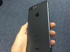 """Apple iPhone 7 Plus """"Space Black"""" 配色实拍"""