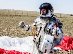 菲利克斯‧鲍姆嘉特纳挑战极限!从太空边缘成功跳下 缔造世界新纪录