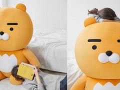 最萌室友非你莫属!KAKAO FRIENDS 推出疗癒满分「超巨大」狮子莱恩玩偶!网友:圣诞节立马入住