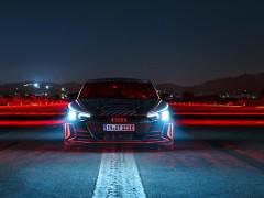 将会是首款纯电跑车? Audi RS e-tron GT 概念车首次亮相!