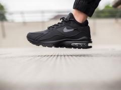 黑色主流再添新血!Nike Air Max 93「Triple Black」配色