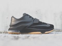 完全被震慑! Nike 为KD 7 EXT 再次带来全新暗黑配色!