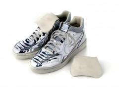 轻盈金属质感登场 Nike Tiempo '94 Mid SP 'Metallic'