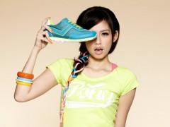 PONY X 袁艾菲复古慢跑鞋 亮彩吸睛度UP