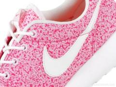 Nike WMNS Roshe Run 'Pink Force'春夏新装 粉红力量