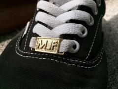 嘻哈潮流时尚 ICON !不管穿什么鞋 一上 MJ FRESH 鞋扣 YOYOYO !
